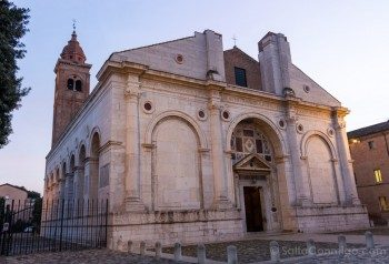 Que Ver En Rimini Templo Malatestiano Exterior
