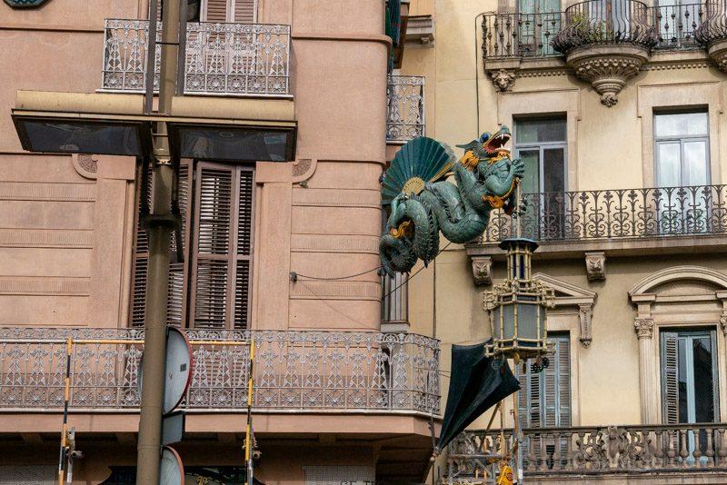 Que Ver en Barcelona 3 Dias Dragon Ramblas