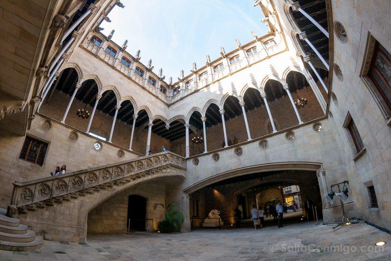 Que Ver en Barcelona 3 Dias Palau Generalitat