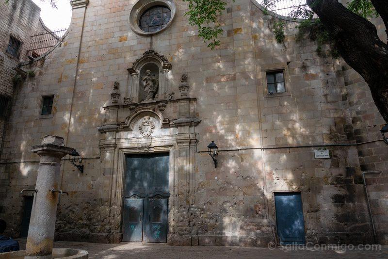Que Ver en Barcelona 3 Dias Plaza San Felipe Neri