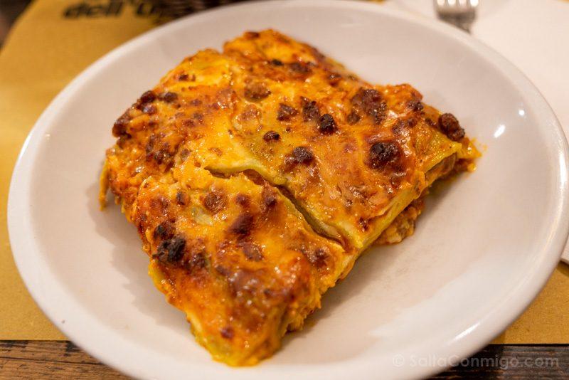 Que Ver en Bolonia Italia 3 Dias Osteria Orsa Lasagna
