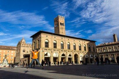Que Ver en Bolonia Italia 3 Dias Piazza Maggiore Salto