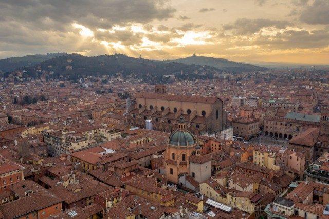 Que Ver en Bolonia Italia 3 Dias Vista Torres