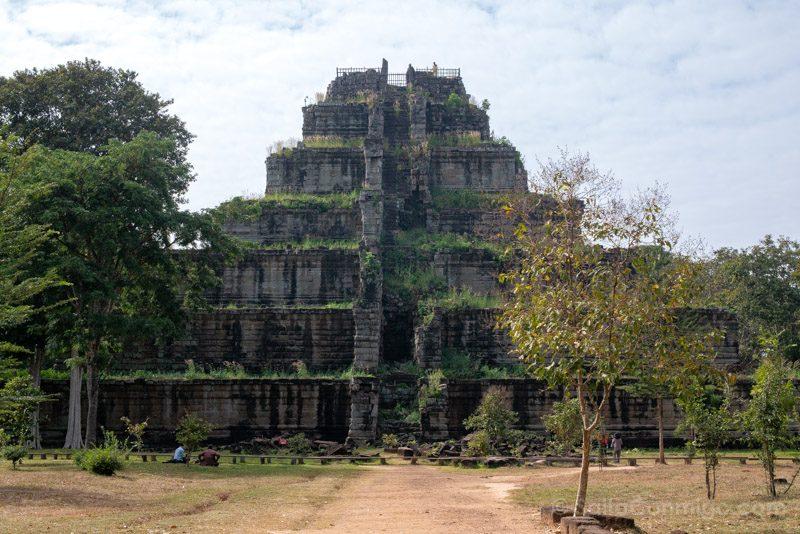 Templos Camboya Koh Ker Piramide