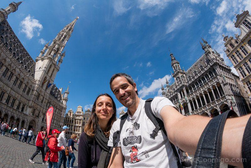 Viajar a Bélgica Selfie Grand Place Bruselas