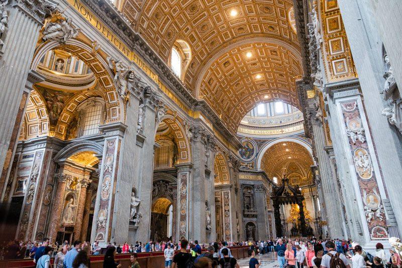 Basilica San Pedro Roma Nave Central