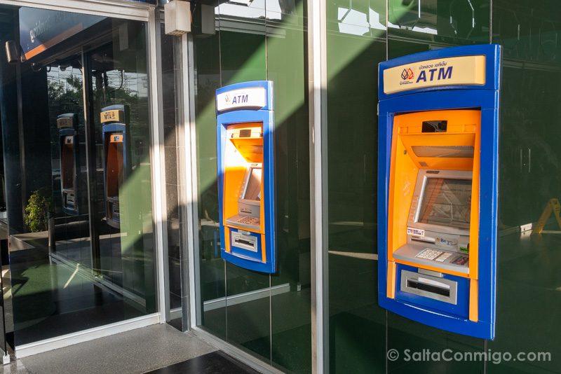 Dinero en Tailandia Cajero Automatico Bangkok Bank