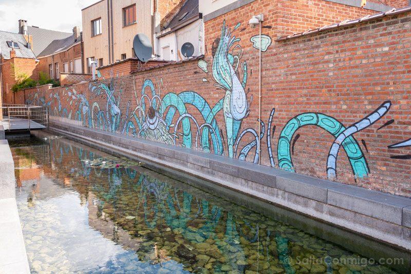 Murales de Malinas Gijs Vanhee Het zotte geweld