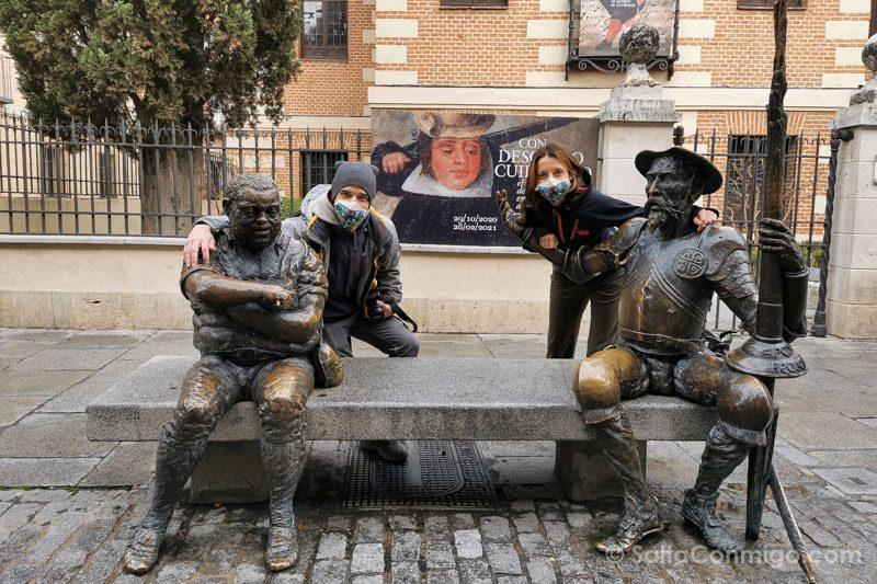 Que Hacer en Alcala de Henares Estatua Quijote Nosotros