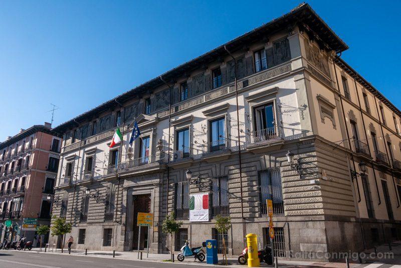 Que Ver en Madrid de los Austrias Calle Mayor Istituto Italiano