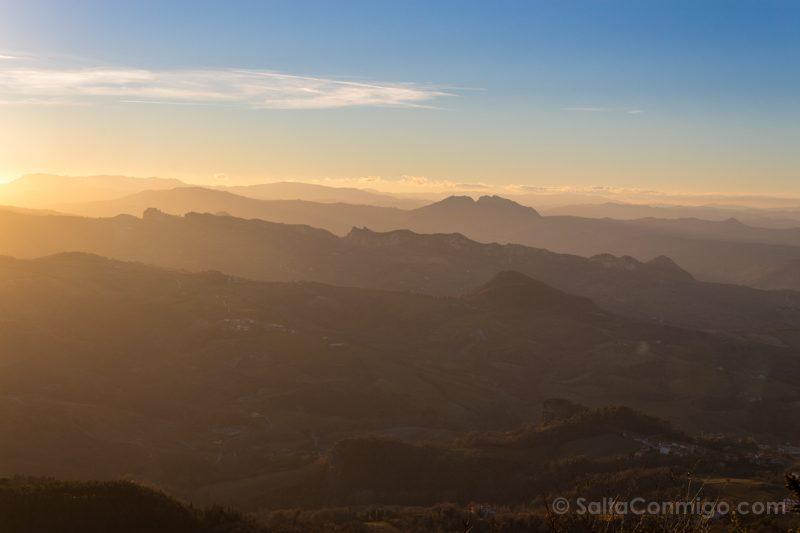 Que Ver en San Marino Colinas Montefeltro Atardecer
