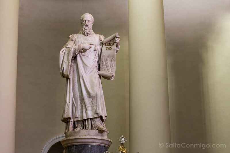 Que Ver en San Marino Estatua Santo