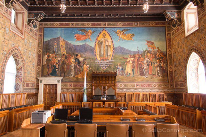 Que Ver en San Marino Palazzo Pubblico Goberno Sala Consejo Grande