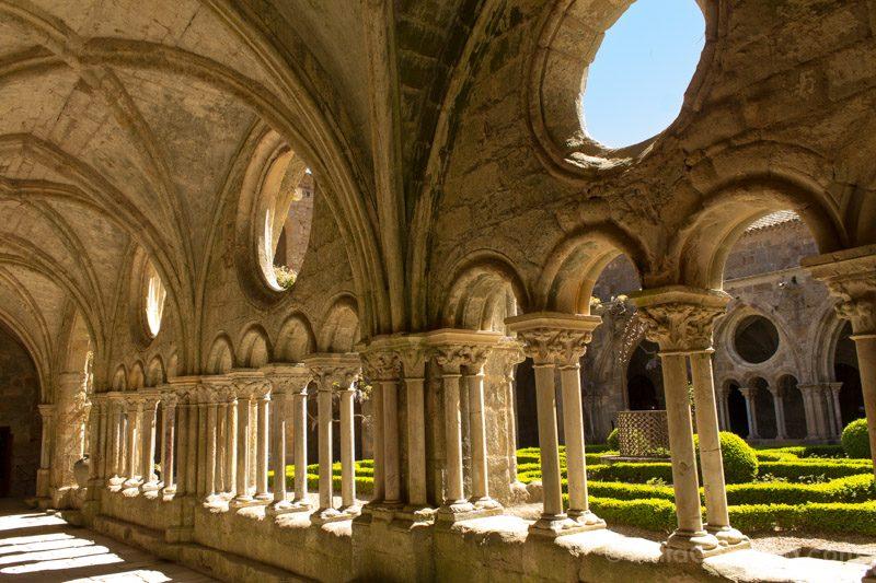 Toulouse Alrededores Abadia Fontfroide Cataros