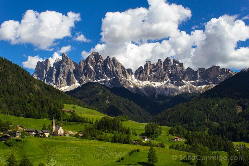Edificios Religiosos Iglesia Santa Magdalena Furnes Italia