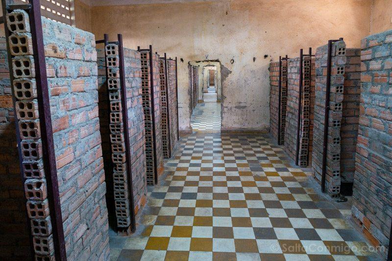 Genocidio Camboyano Museo Tuol Sleng Aulas Cubiculos