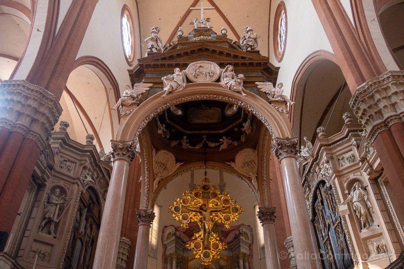 Basilica San Petronio Bolonia Altar