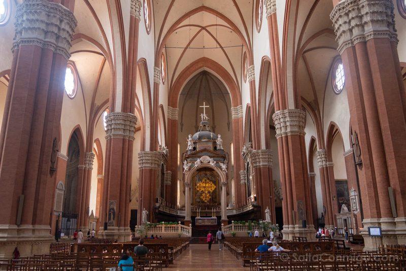 BasilicaSan Petronio Bolonia Nave Central