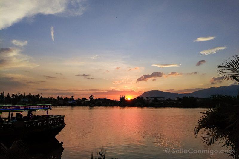 Que Ver En Kampot Atardecer Rio