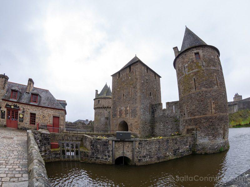 Castillo de Fougeres Acceso Torre La Haya de St-Hilaire