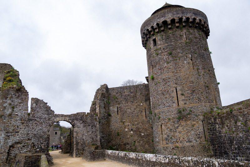 Castillo de Fougeres Barbacana