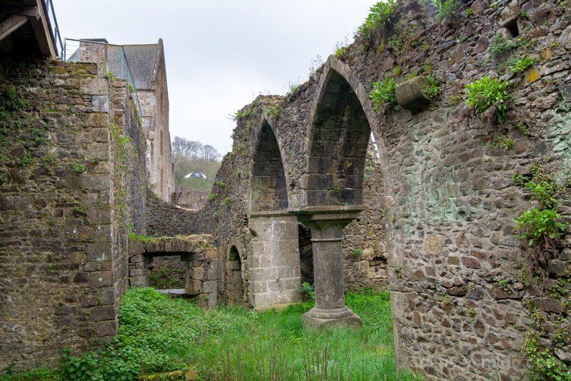 Castillo de Fougeres Patio Armas Casa Senorial
