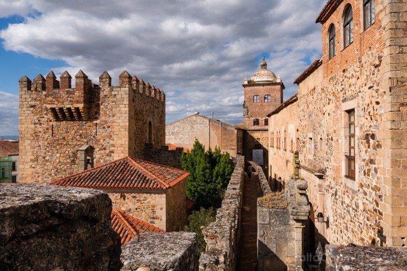 Que Ver En Caceres Torre Bujaco Camino Ronda
