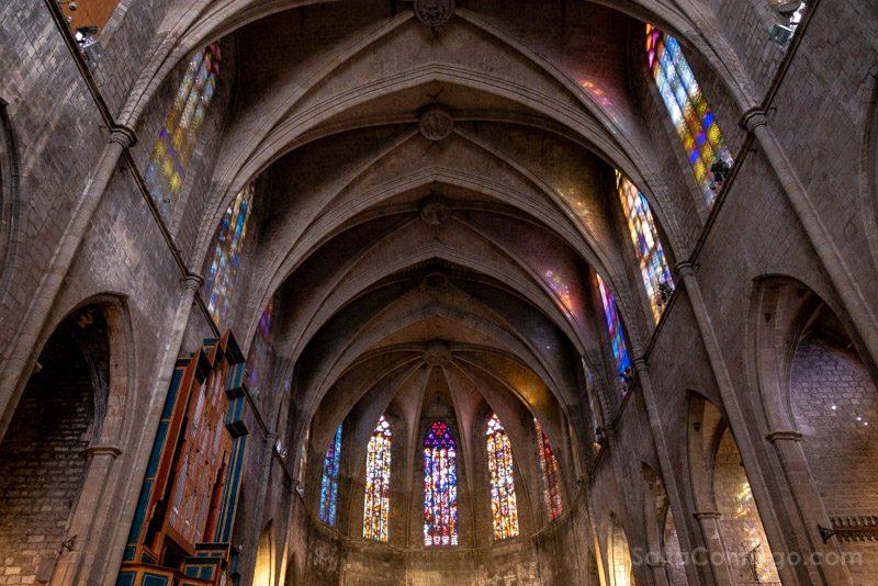 Que Ver en Barrio Gotico Santa Maria Pi Vidrieras