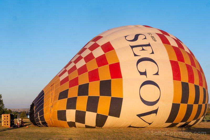 Volar Globo Segovia Hinchando Vela