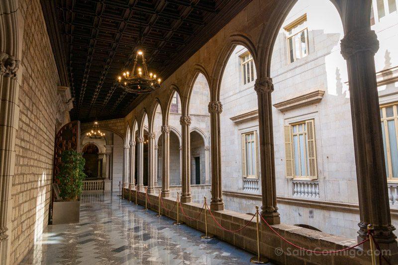 Ayuntamiento Barcelona Casa Ciutat Patio Arcos