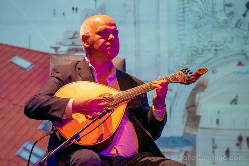 Fado en Lisboa Fado in Chiado Guitarra Portuguesa