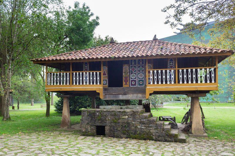 Museos de Gijon Muséu del Pueblu d'Asturies Panera