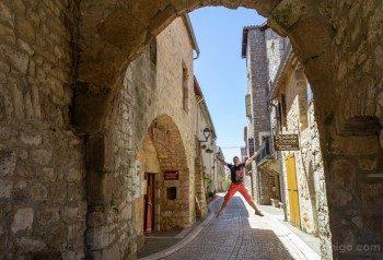 Templarios en Francia La Cavalerie Salto Puerta