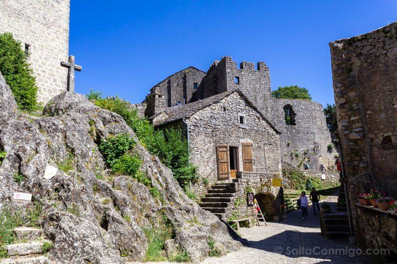 Templarios en Francia La Couvertoirade Casas