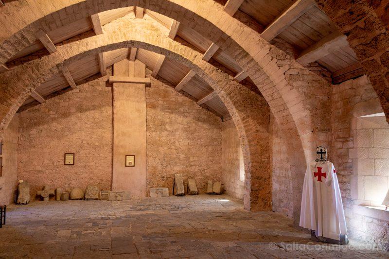 Templarios en Francia Sainte-Eulalie de Cernon Commanderie Interior