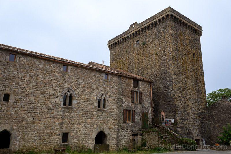 Templarios en Francia Viala du Pas de Jaux Torre