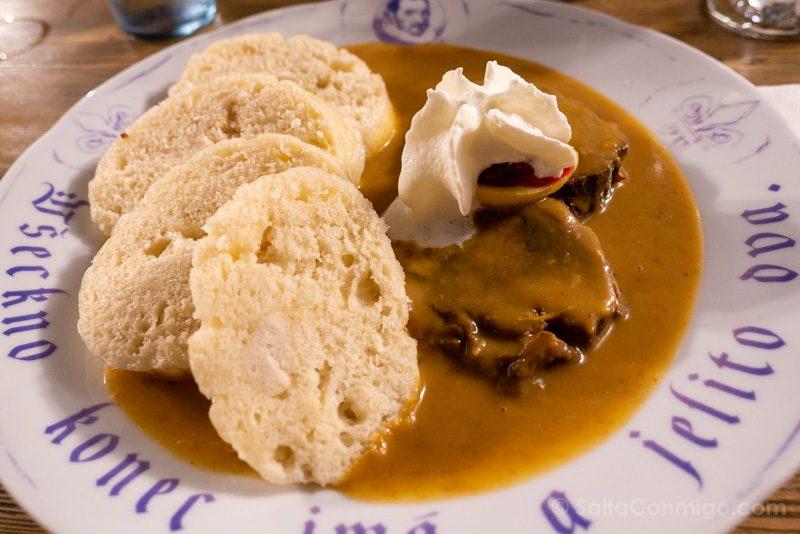 Comer En Kutna Hora Dacicka Restaurace Comida Chequia