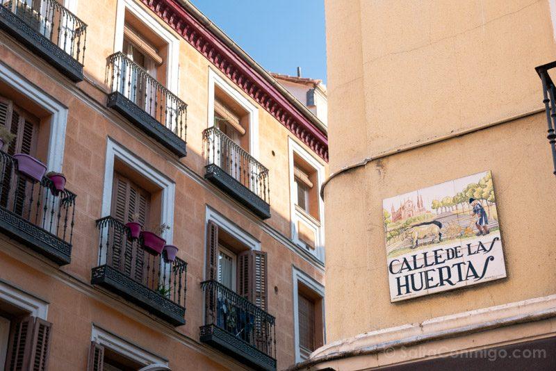 Que Ver En El Barrio De Las Letras Madrid Plaza Calle Huertas