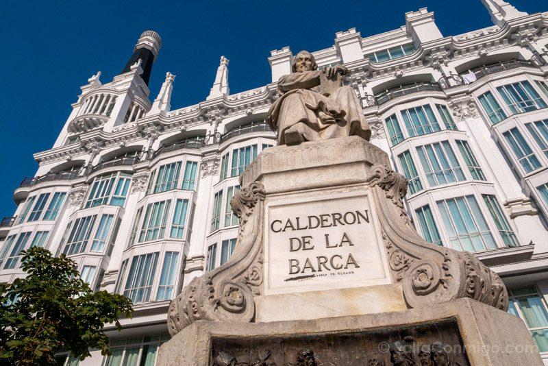 Que Ver En El Barrio De Las Letras Madrid Plaza Santa Ana Calderon Barca