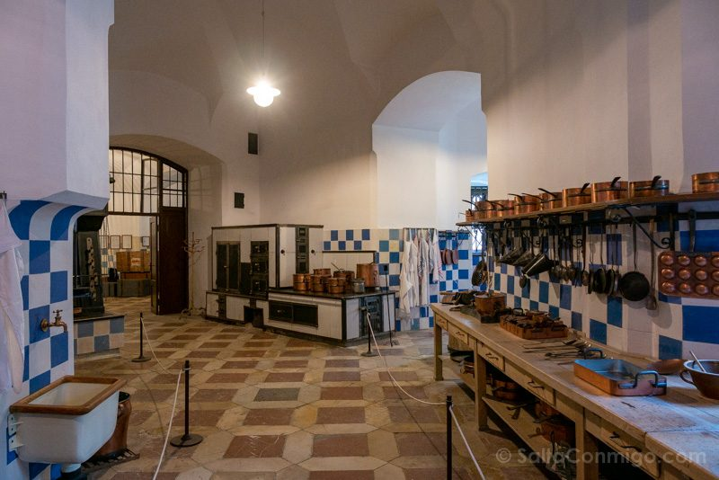 Castillo De Hluboka nad Vltavou Cocina Caliente
