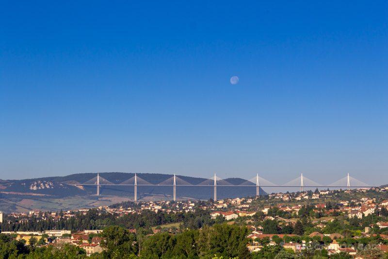 Que Ver En Millau Alrededores Viaducto Completo Luna