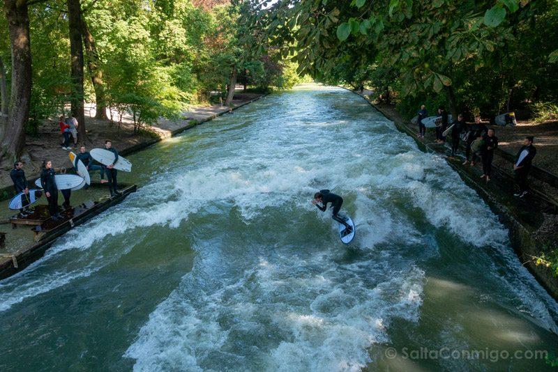 Que Ver En Munich English Park Surf