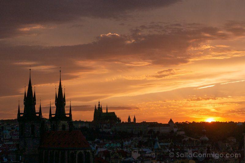 Miradores de Praga Torre Polvora Castillo Sol